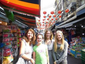 michelle nicole catherine and alice shopping chinatown