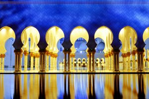 uae_sheikh_mosque_shutterstock_253215310
